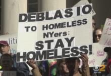 صورة المشردون يشعلون المعارك مع عمدة نيويورك لتوفير وحدات سكنية لهم