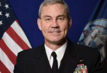 صورة العثور على قائد القوات البحرية الأمريكية ميتا بمقر إقامته في البحرين