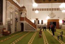 صورة لحظة وفاة أجنبي داخل مسجد عقب أداء الصلاة في السعودية (فيديو)