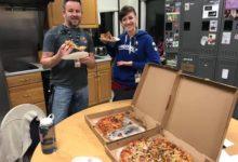 صورة بيتزا.. معونة كندية تصل للموظفين الأمريكيين ضحايا الإغلاق الحكومي (صور)