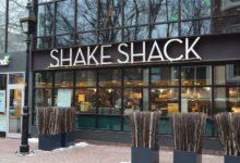 صورة مطاعم shake shack بمانهاتن تعلن عن حاجتها لطاقم عمل والبداية بـ15 دولار في الساعة
