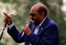 صورة الرئيس السوداني يعلن استعداده لتسليم السلطة للشباب