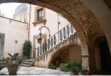 صورة أجمل قرية في إيطاليا تعرض منازلها للبيع مقابل يورو واحد.. لماذا؟