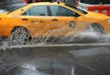 """صورة السائقون يسمونها """"ضريبة الإنتحار"""".. بدء زيادة أسعار سيارات الأجره في نيويورك وهذا هو رد فعل أوبر وليفت"""