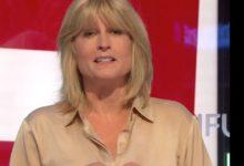 """صورة بالفيديو.. شقيقة وزير خارجية بريطانيا السابق تتعرى على الهواء احتجاجا على """"بريكست"""""""
