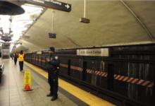 صورة مصرع رجل جره قطار مترو على القضبان في محطة غراند سنترال