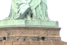 صورة قاضية تعلن رغبتها في تسلق تمثال الحرية أثناء الحكم على متظاهرة في نيويورك