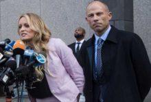 """صورة إعتقال محامي الممثلة الإباحية ستورمي دانيلز ضد ترامب بسبب شركة """"نايكي"""""""