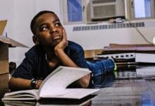 صورة بيل كلينتون يدعو طفل نيجيري من نيويورك لزيارة مكتبه.. تعرف على السبب