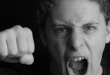 صورة 7 مخاطر صحية تهدد حياتك سببها الغضب الشديد