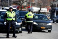 صورة احذر.. ضباط شرطة كوينز يشنون حملة على أخطر شارع في الحي