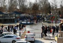 صورة بالفيديو.. عراقيون يهاجمون موكبي رئيس الجمهورية ومحافظ نينوى بعد غرق العبارة