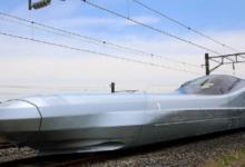 صورة بالفيديو.. اليابان تكشف الستار عن أسرع قطار في العالم