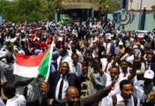 صورة قتلى برصاص الأمن السوداني في ميدان الاعتصام أمام القيادة العامة.. ماذا يحدث هناك؟