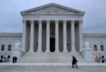صورة المحكمة العليا تصادق على قيود فرضها ترامب على حق اللجوء