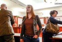 صورة أمريكية تواجه السجن لـ10 سنوات لظهورها عارية الصدر في منزلها !