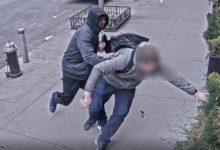 صورة بالفيديو.. خمسيني يتعرض للضرب المبرح من مجهول في نيويورك