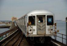 صورة مترو نيويورك يودع أخر مجموعة من قطارات R42 بعد 50 عاما خدمة