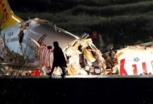 صورة فيديو.. تحطم طائرة في مطار إسطنبول وانشطارها إلى 3 أجزاء