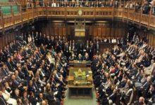 صورة اكتشاف ممر سرى داخل البرلمان البريطاني يعود تاريخه إلى 400 عام… فيديو