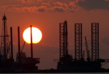 صورة البيت الأبيض: قلقون على المستهلكين الأمريكيين من ارتفاع أسعار النفط العالمية