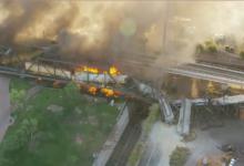 صورة بالفيديو والصور.. حريق هائل فى قطار انحرف عن مساره بأريزونا