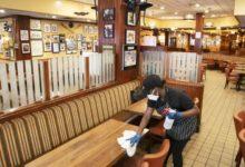 صورة عمدة نيويورك يقرر منع تناول الطعام داخل المطاعم