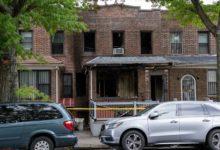 صورة نقل 4 أشخاص إلى المستشفى بعد اشتعال حريق في منزلهم بكوينز