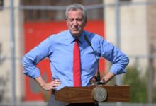 صورة دي بلاسيو يرد على وصف ترامب لنيويورك بـ«مدينة الأشباح»
