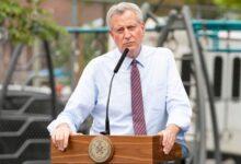 صورة عمدة نيويورك يعلن استعداد المدينة لأى أعمال شغب محتملة بعد الانتخابات