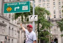 صورة الصحفي المصري عماد عاشور يقدم «نيويورك معانا» لعرض أهم معالم الولاية