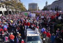 صورة ترامب يعلق على المظاهرات الداعمة لرئاسته «4 سنوات أخرى»: سوف ننتصر