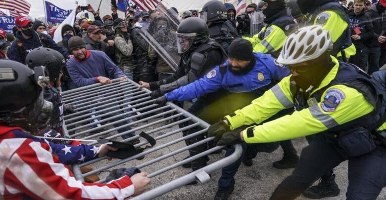 صورة نواب أمريكيون يصابون بكورونا بعد اقتحام أنصار ترامب مبنى الكابيتول