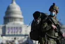 صورة بالفيديو.. العاصمة واشنطن تتحول لـ«ثكنة عسكرية» والجنود يتوافدون بالآلاف عليها