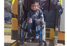 صورة طفل أمريكي مصاب بالشلل ينقذ أسرته من موت محقق