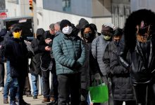 صورة بالصور.. ازدحام أمام مراكز التطعيم في نيويورك للحصول على لقاح جونسون آند جونسون