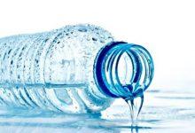 صورة ممارسات خاطئة أثناء شرب الماء تؤدى إلى أضرار عديدة
