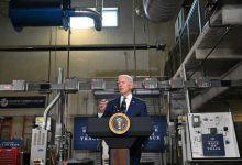 صورة بايدن يعلن عن خطة «النهوض الاقتصادي».. أموال مباشرة لجيوب الأمريكيين