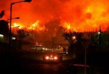 صورة بالفيديو.. حريق ضخم بمصنع كيماويات في ولاية الينوي وإخلاء السكان لمنازلهم