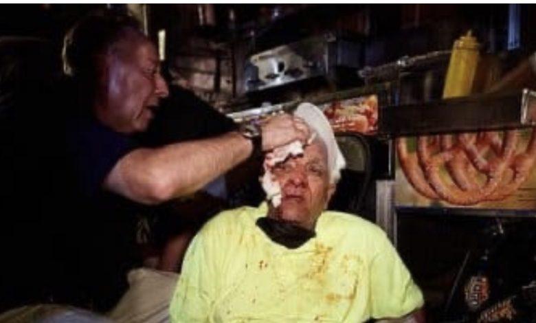 صورة بالصور.. مصري يرفض رفع علم المثليين على عربة هوت دوج فيتعرض للضرب في نيويورك