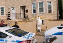 صورة العثور على جثة عجوز مكتوب على صدره «أنا ألمس الفتيات» في ستاتن آيلاند بنيويورك