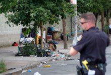 صورة رجل يطعن سيدة مشردة ويقتلها في بروكلين