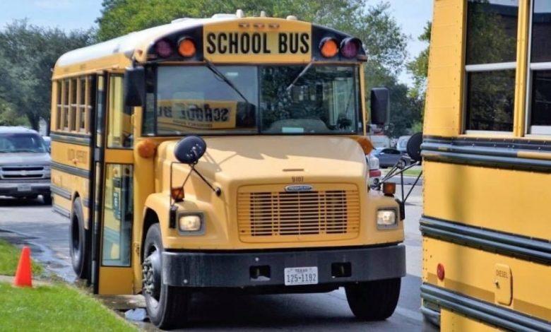 صورة تفاصيل مصرع مراهق وإصابة آخرين إثر إطلاق نار على طلاب كانوا ينتظرون حافلة المدرسة في كنتاكي